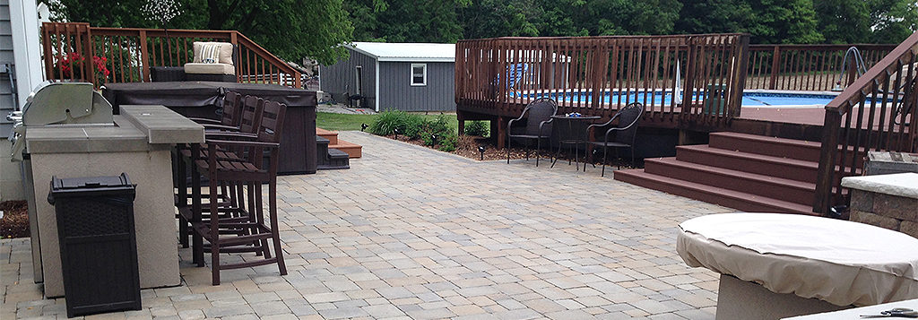 A beautiful hardscape patio area by Clean Cut Lawn and Landscape.