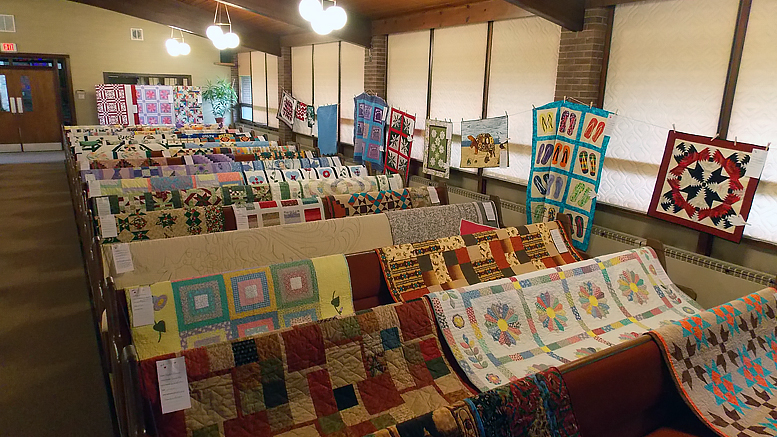 Muncie Quilters Guild event from 2015. Photo by: Nancy White