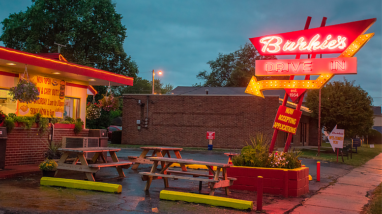 Burkies Drive In at 1515 W. Jackson St., Muncie, IN. Photo by: Mike Rhodes