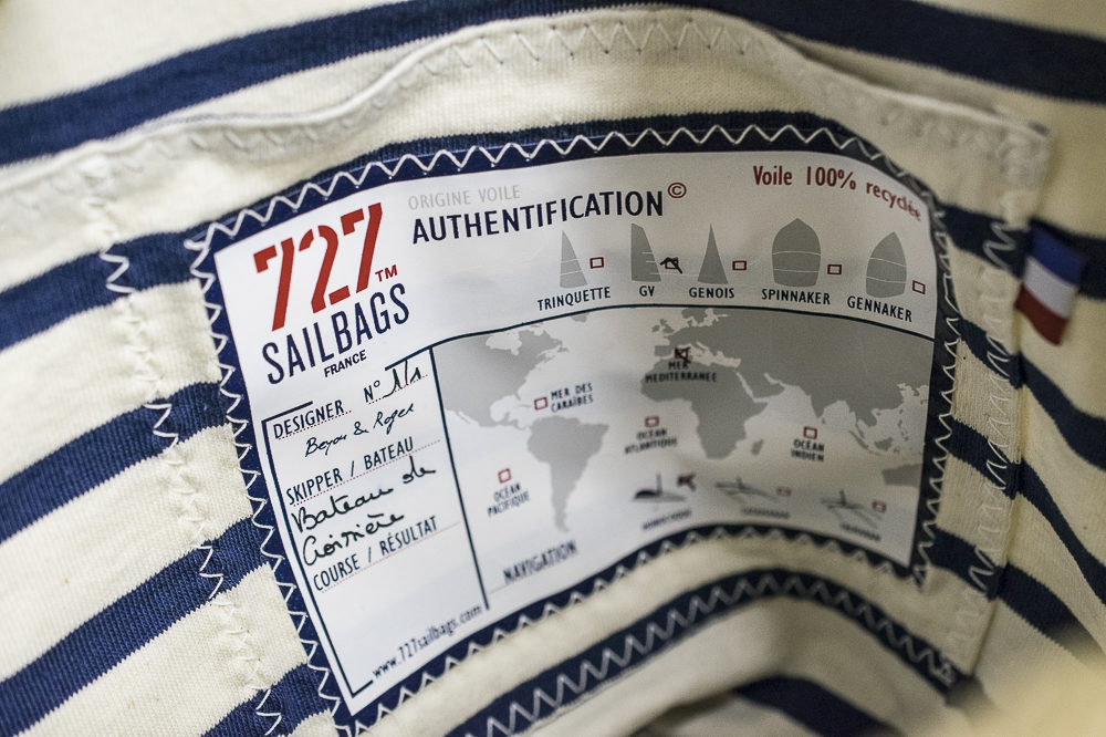 Authentication label inside Sailbag